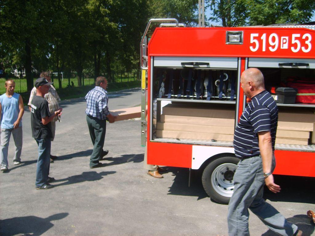 You are browsing images from the article: Zbąszyńscy strażacy pomagają powodzianom z Kotliny Kłodzkiej